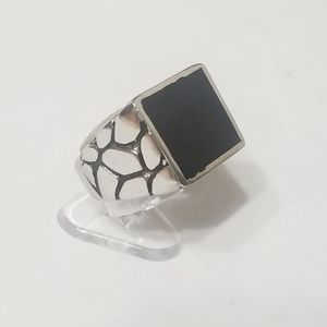 New stainless steel ring with black top size 7